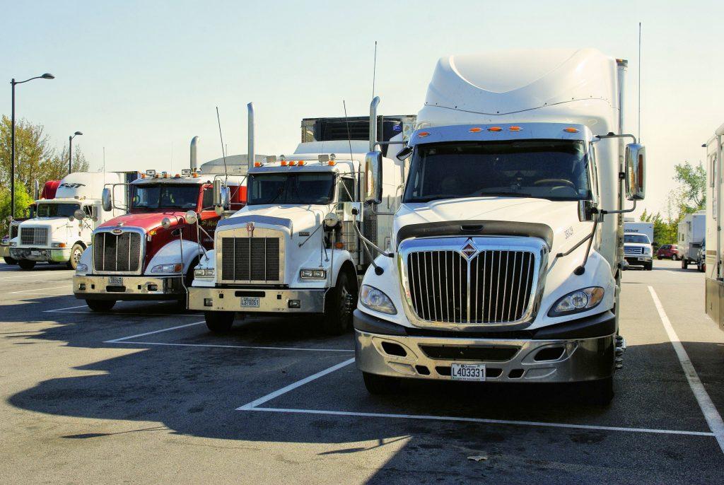 18 Wheeler Semi Trucks
